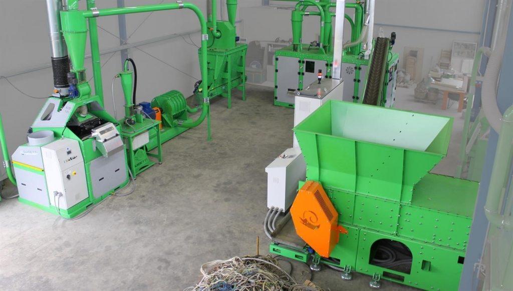 دستگاه آسیاب ضایعات پلاستیک جهت تولید گرانول پلی اتیلن
