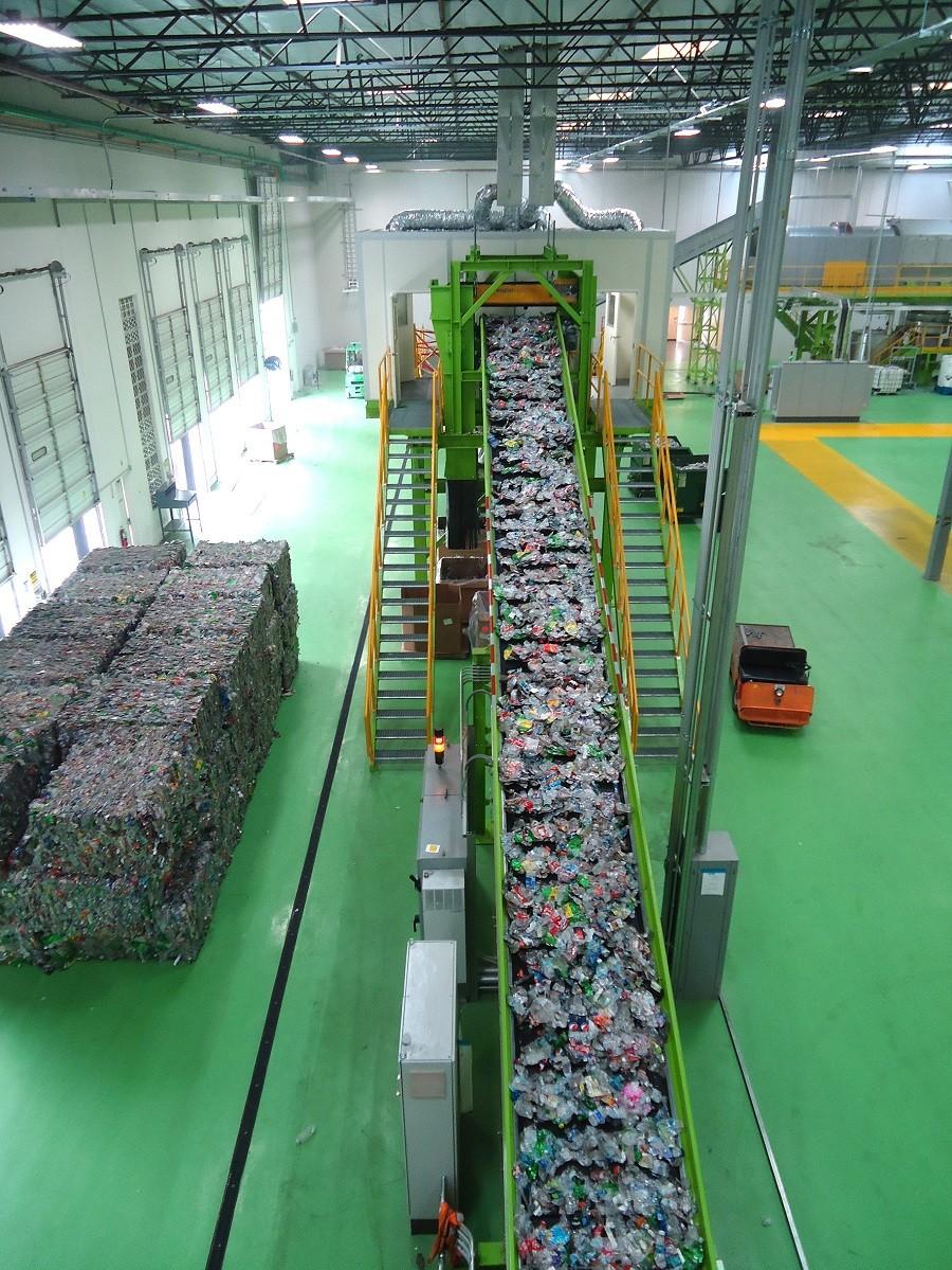 افزایش اشتغالزایی و درآمد با صنعت بازیافت ضایعات پلاستیک و تولید گرانول پلی اتیلن
