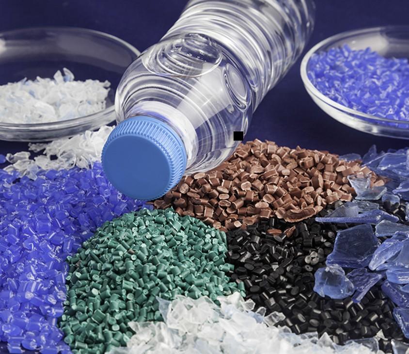 آغاز فعالیت واحدهای آسیاب ضایعات پلاستیک و تولید گرانول پلی اتیلن در همدان
