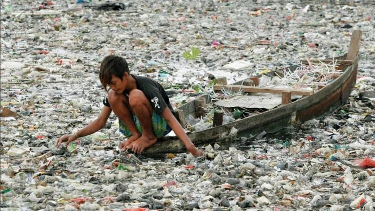 سالانه میلیون ها تن زباله و ضایعات پلاستیک از آمریکا به اندونزی،فیلیپین و ویتنام ارسال میگردد.