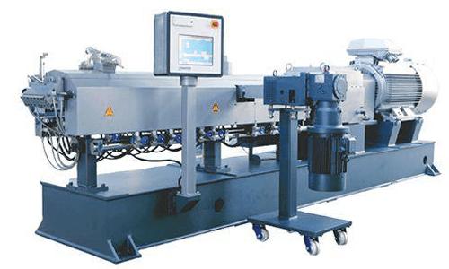 کامپاند یا همان ترکیب پلیمر فرایند اختلاط یا آمیختن چند نوع گرانول پلاستیکو مواد افزودنی با یکدیگر به جهت تولید پلیمر جدید می باشد.