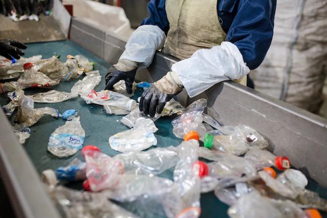 اشتغالزایی و درآمد از بازیافت ضایعات پلاستیک و تولید گرانول پلاستیک پلی اتیلن