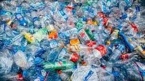 ضایعات پس از مصرف کننده چیست؟ به قراضه یا ضایعات ماده که توسط مصرف کننده تولید شده است، میگویند. برای مثال، یک بطری پلاستیکی بعد از اینکه نوشیدنی آن مصرف شده است. این ماده همواره آلوده میشود و نیازمند آن است تا قبل از بازیافت و تبدیل به یک محصول دیگر، شست و شو داده شود.
