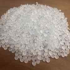 پلاستیک بازیافت شده / Repro که توسط اکسترودر به صورت دانه یا رزین درآمده اند.کیفیت کمتری نسبت به ماده اصلی دارد اما قیمت کمتر باعث شده تقاضا زیاد باشد.