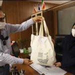 تبلیغ استفاده از کیسههای پارچهای در روستاهای استان بوشهر را دنبال میکنیم.