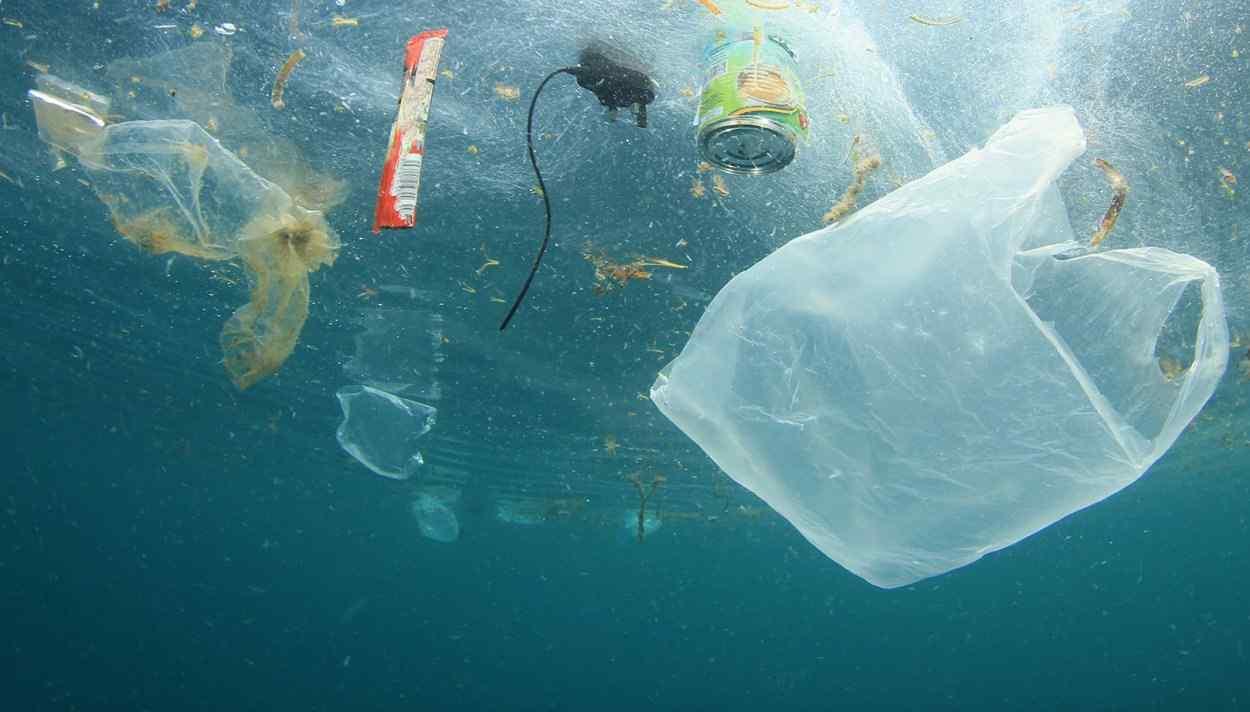 مهمترین منبع آلودگی میکروپلاستیک در اقیانوس ها چیست؟