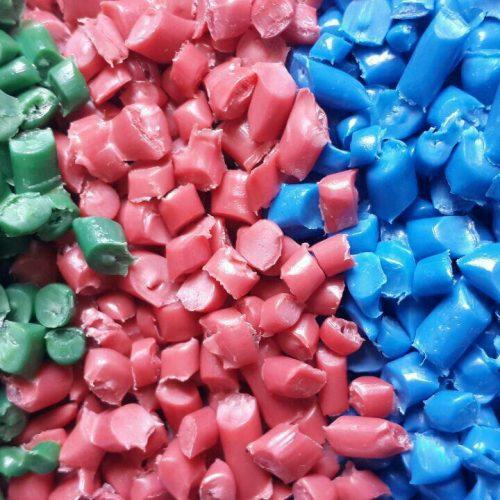 کارخانه بازیافت مواد پلاستیکی