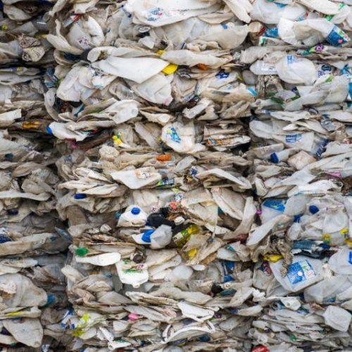 مهندسی ابرآنزیمی که ضایعات پلاستیکی را سریع تر هضم می کند